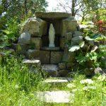 修道院の庭ールルドのマリア様